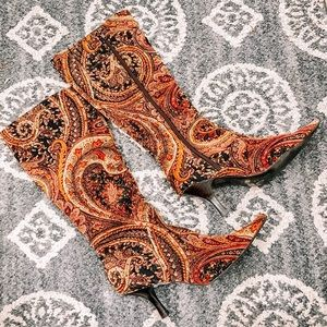 Autumn Paisley eclectic carpeted Pointed heels